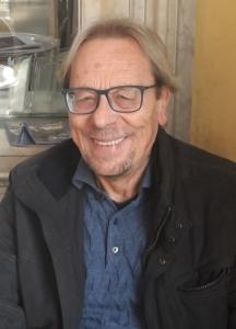 Lo scrittore e poeta Remo Rapino